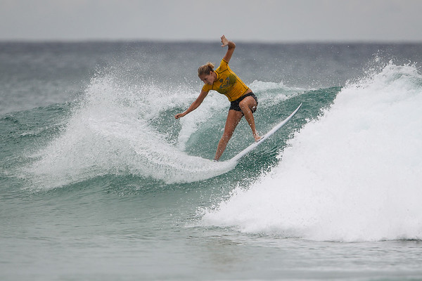 Stephanie Gilmore - 2015 Roxy Pro Grand Final (won by Carissa Moore) - 2015 Quiksilver Pro and 2015 Roxy Pro, final day; Friday 13 March 2015; Snapper Rocks, Coolangatta, Gold Coast, Qld, AUS (afternoon session). Photos by Des Thureson - http://disci.smugmug.com