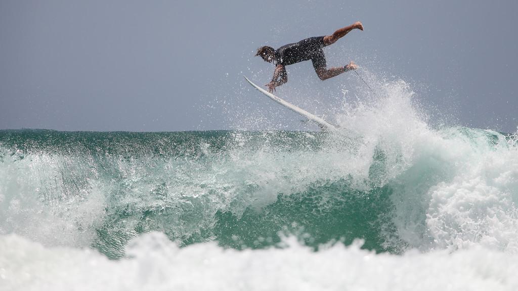 "Surfing Burleigh Heads, Thursday 3 December 2015, Gold Coast, AUS. Photos by Des Thureson: <a href=""http://disci.smugmug.com"">http://disci.smugmug.com</a>"