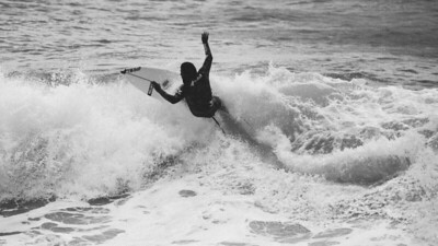 VSCO Film Look - C - TRI-X⁺³ + - Surfing Burleigh Heads, Thursday 3 December 2015, Gold Coast, AUS. Photos by Des Thureson: http://disci.smugmug.com