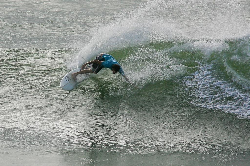"""Surfing Burleigh & Snapper Rocks in big swell, 22 April 2009; Gold Coast, Queensland, Australia. Photos by Des Thureson:  <a href=""""http://disci.smugmug.com"""">http://disci.smugmug.com</a>."""