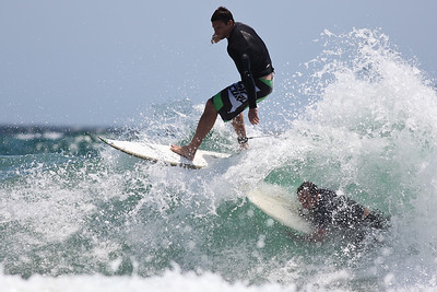 Too close! - Surfing Burleigh Heads on a choppy, windy day; 9 December 2009. Photos by Des Thureson.