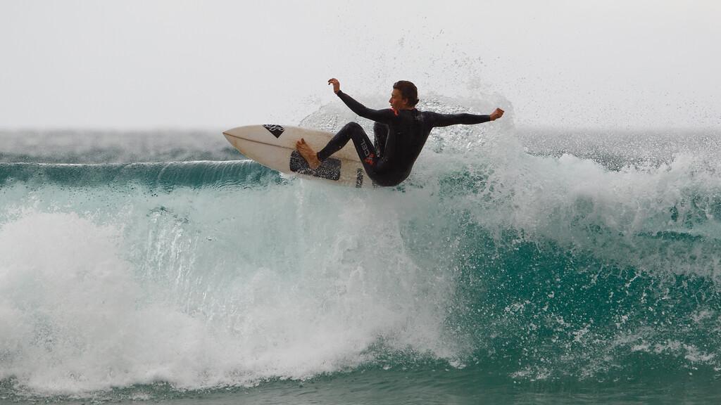 "Lip Surfing - Surfing Currumbin & Burleigh; , Gold Coast, Queensland, Australia; 25 July 2012. Photos by Des Thureson - <a href=""http://disci.smugmug.com"">http://disci.smugmug.com</a>. Burleigh."