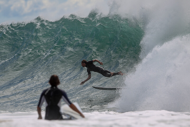 """Stack! - Surfing Kirra first & Snapper Rocks later, Gold Coast, Queensland, Australia; 27 August 2014. Photos by Des Thureson - <a href=""""http://disci.smugmug.com"""">http://disci.smugmug.com</a>.  - Snapper Rocks."""