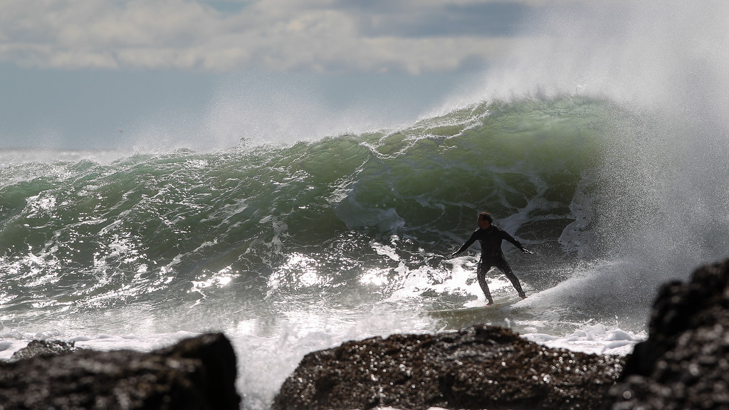"""Part of a long sequence of photos - Surfing Kirra first & Snapper Rocks later, Gold Coast, Queensland, Australia; 27 August 2014. Photos by Des Thureson - <a href=""""http://disci.smugmug.com"""">http://disci.smugmug.com</a>.  - Snapper Rocks."""