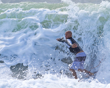 Surfing Snapper Rocks Superbank, Coolangatta, Gold Coast. Includes 10 times World Champion Kelly Slater. Photos by Des Thureson.