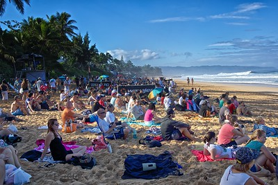 Some spectators at Billabong Pipe Masters Andy Irons Memorial Pipeline, North Shore Oahu