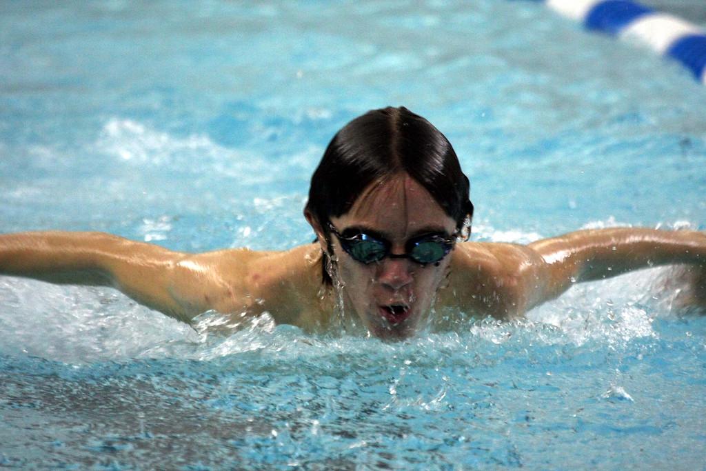 11 27 07 CHS Swimming vs SHS AHS TriMeet 001