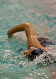 Caroline fights through her first ever 500 yard freestyle.