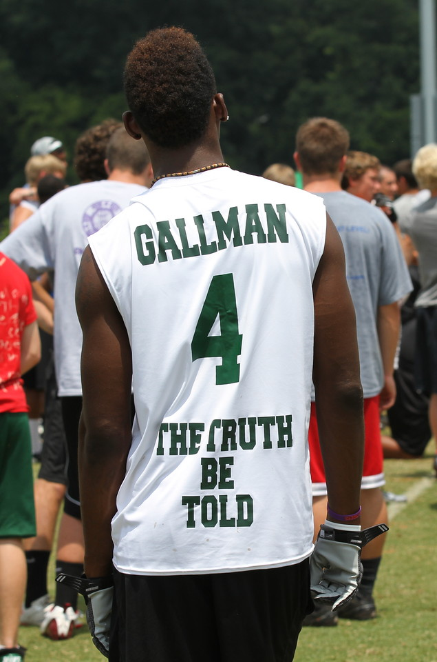 Wayne Gallman's Shirt