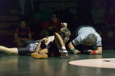 Tigard HS Varsity Wrestling vs Oregon City -106