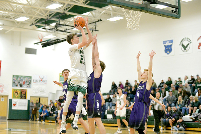 Joel Moline | The Sheridan Press<br /> Tongue River's Justice Rees (22) scores two points against Glenrock High School Friday, Jan. 10, 2019.