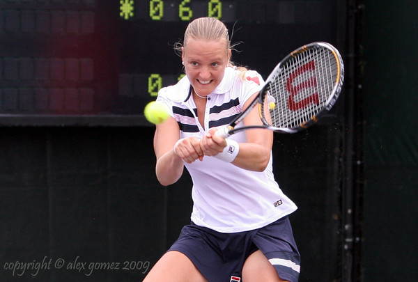 Tennis WTA Featured Player: Agnes Szavay