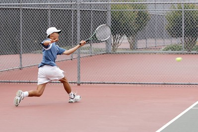 Running forehand with good balance