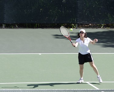"""Shiao-Ping """"shadows"""" a forehand volley"""