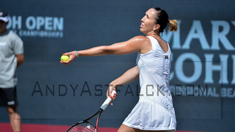 Jelena Jankovic (SBR) serves to Evgeniya Rodina (RUS) on Thursday 9th of June 2016 at the Ricoh Open Grass Court Championships at the Autotron in Rosmalen in the Netherlands.