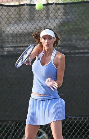 Singles Tennis, Whitney Shackleford from Columbus GA, Sat Rome City Courts
