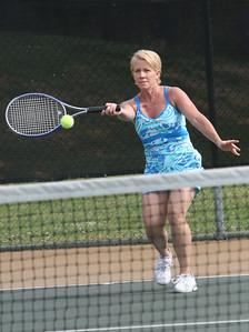Singles Tennis, Noreen Salmon from ROME GA, Et park