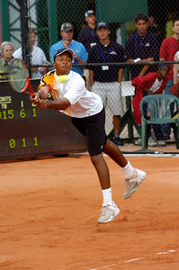 US Clay Court Tournament Westside Tennis Club, Houston TX,   April 2005  Donald Young (USA) vs. Alex Calatrava (ESP)