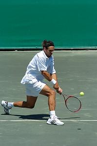 US Clay Court Westside Tennis Club, Houston TX April 2007  I. Karlovic (CRO) vs. M. Zabaleta (ARG)