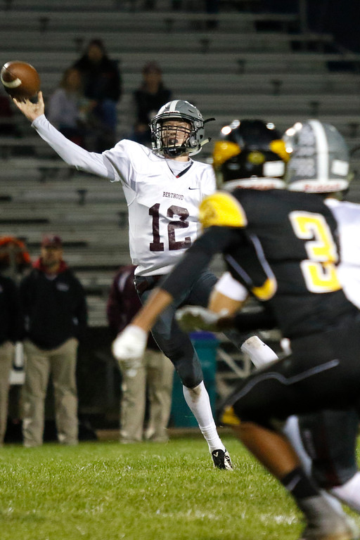 . Berthoud�s Brock Voth passes the ball on Thursday, Sept. 28, 2017, at Patterson Field. (Photo by Lauren Cordova/Loveland Reporter-Herald)