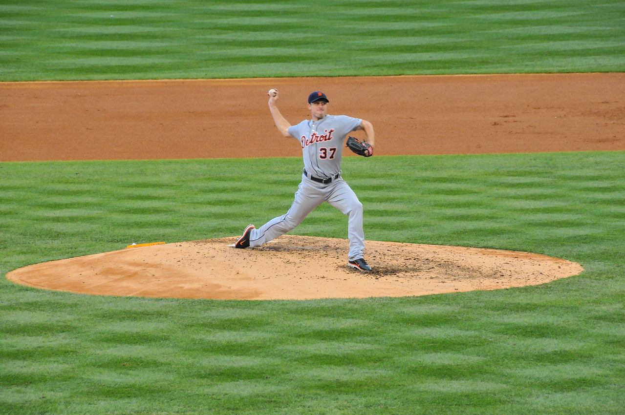Max Scherzer delivery, Tigers vs. Yankees, Game 2 of League Division Series, October 2011