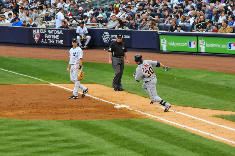 Magglio Ordonez base hit, Tigers vs. Yankees, Game 2 of League Division Series, October 2011