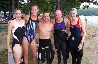 Sven (aka Doug) with the T2B power chicks - Michele, Eissa, Aimee, Kelly