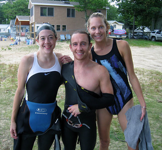 Our foreign exchange triathlete, Sven (aka Doug), joining us on his first swim in 2 months :-)