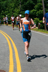 Kelly rocking the run!  Nice hat!