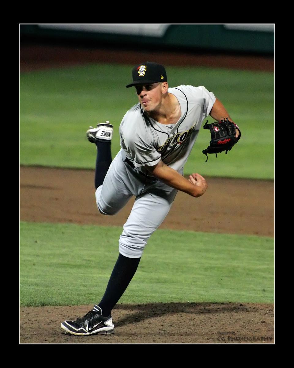 IMAGE: https://photos.smugmug.com/Sports/Tin-Caps-2012/i-wxVjHFW/0/73866342/X3/IMG_6861-X3.jpg