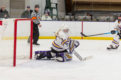 Chloe Heiting (1) makes a save in Saturday's NESCAC championship semifinal against Amherst.