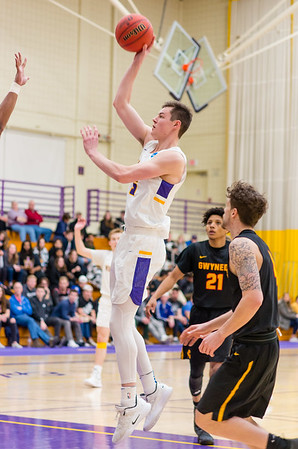 James Heskett (5) goes up high to score  a couple points in the second half. He would finish with a team high 30 points on the night.