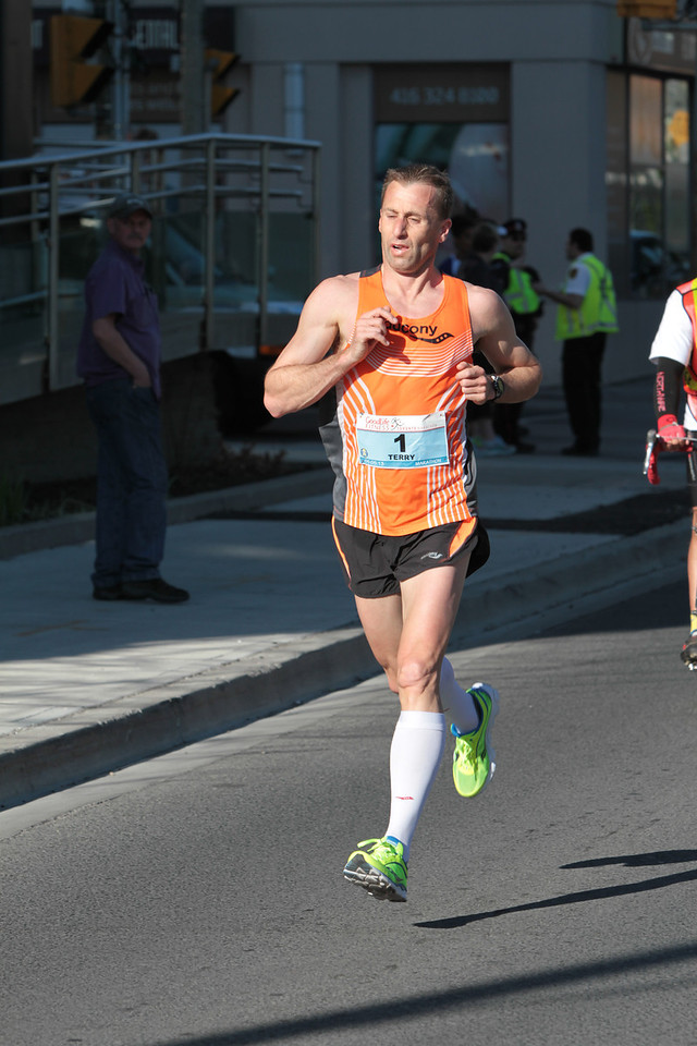 Toronto Marathon 2013