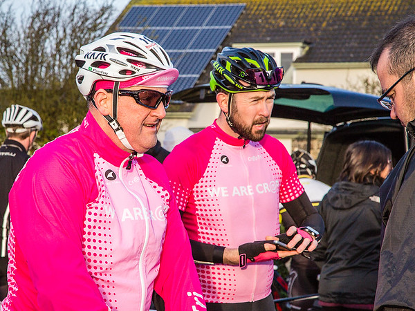 You'll have to excuse the number of pink photos, I know these pair of cr@ptri  guys, they'll only moan if I don't put up lots. ;-)