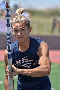 2018Boys Pole Vault Invitational-_DSC7203
