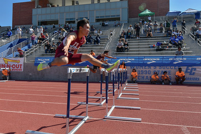 2018Boys Shuttle Hurdles Invitational-_DSC5311