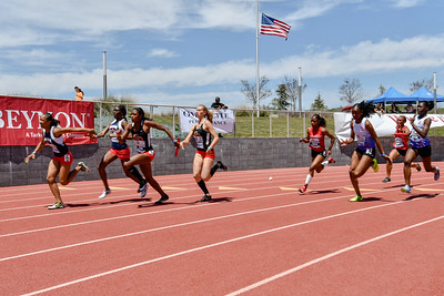 2018Girls 4x100m Seeded H2-_DSC6582