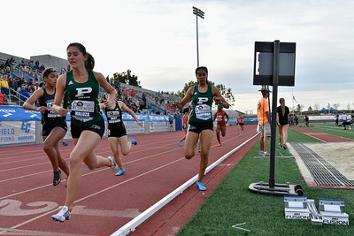 2018Girls 4x400m Seeded H2-_DSC0130