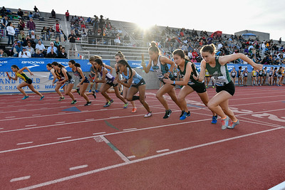 2018Girls 4x800m Invitaitonal-_DSC9134