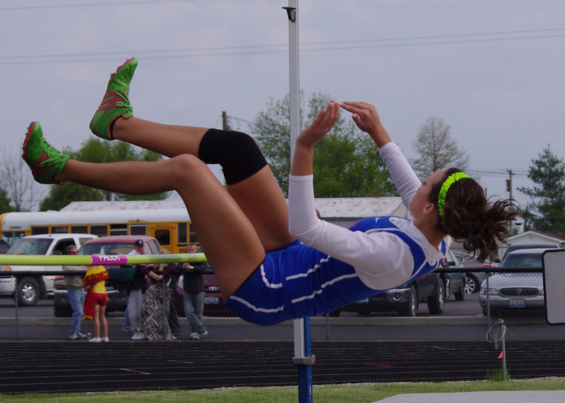 nchs track 2011 012