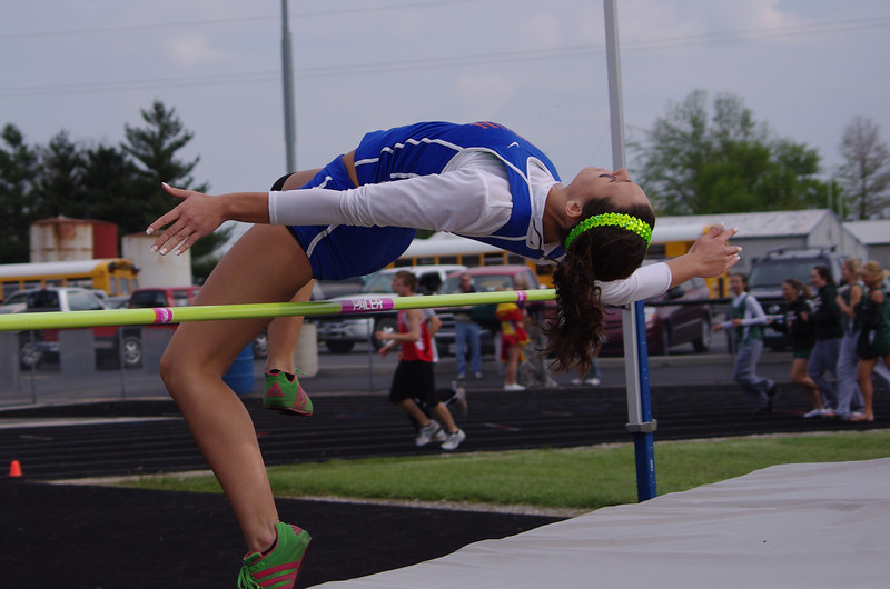 nchs track 2011 008