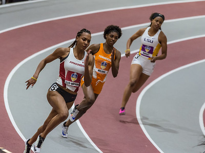 Taylor Ellis-Watson on her way to fourth place in the 200 meter dash during the SEC Indoor Track Championships on 2-27-16.   (Alan Jamison, Nate Allen Sports Service)
