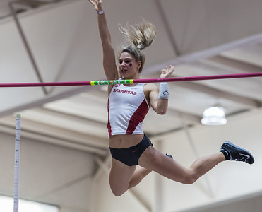 Tori Weeks vaults during the Tyson Invitational Track and Field meet on Saturday, February 11, 2017.   (Alan Jamison, Nate Allen Sports Service)