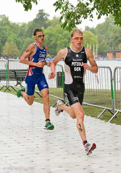Maik Petzold (GER) ahead of William Clarke (GBR)