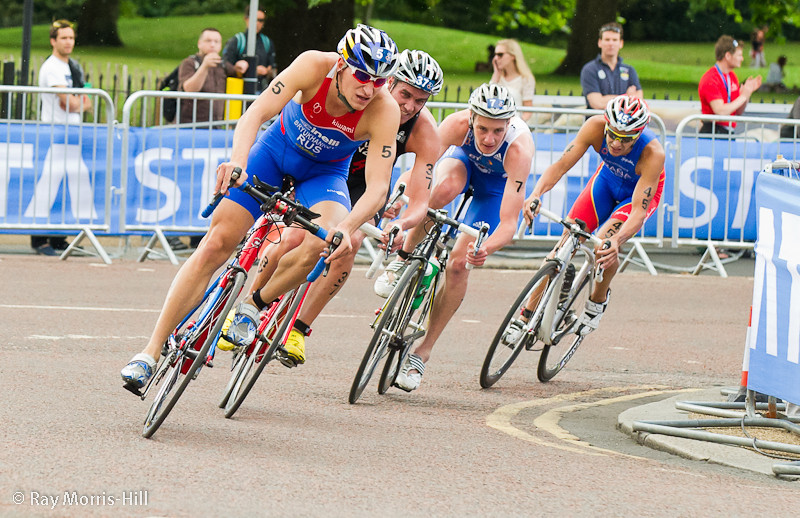 The breakaway - 5 Alexander Bryukhankov (RUS), 37 James Elvery (NZL), 7 Alistair Brownlee (GBR) and 45 Ivan Rana (ESP)