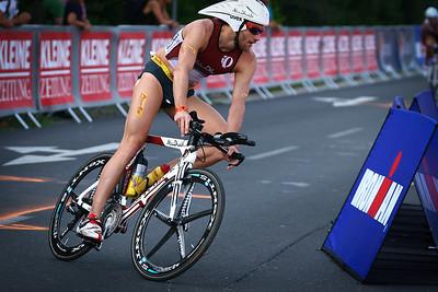 Faris Al-Sultan biking to victory (Ironman Klagenfurt)