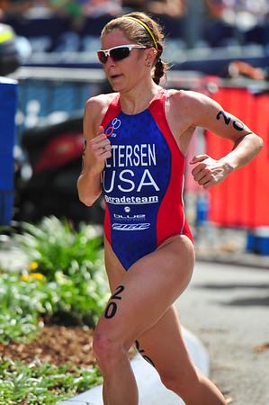 "Jillian Petersen - 2010 Mooloolaba Women's ITU World Cup Triathlon, 28 March 2010. Photos by Des Thureson: <a href=""http://disci.smugmug.com"">http://disci.smugmug.com</a>."