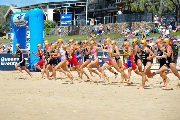 """They're Off! - Mooloolaba Women's ITU World Cup, 28 March 2010 Photos by Des Thureson: <a href=""""http://disci.smugmug.com"""">http://disci.smugmug.com</a>"""