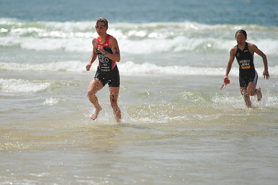 Lisa Mensink, Tomoko Sakimoto - Mooloolaba Women's ITU World Cup, 28 March 2010 Photos by Des Thureson: http://disci.smugmug.com