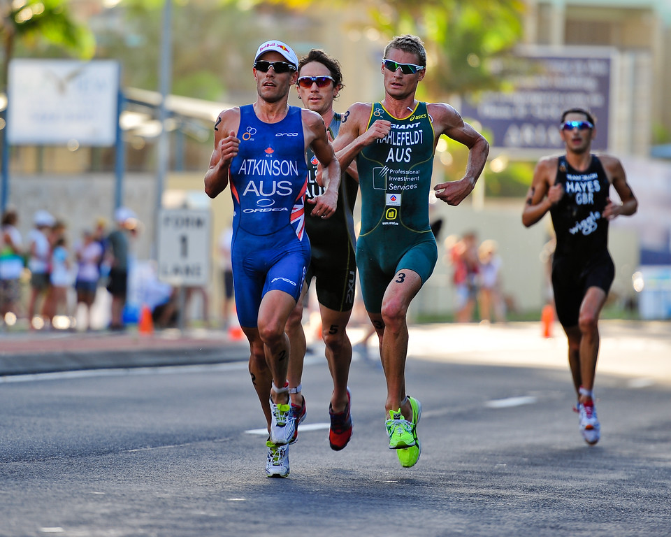 The dominant group of Dan Wilson, Courtney Atkinson, Brad Kahlefeldt & Stuart Hayes - Mooloolaba Men's ITU World Cup Triathlon, 27 March 2010.